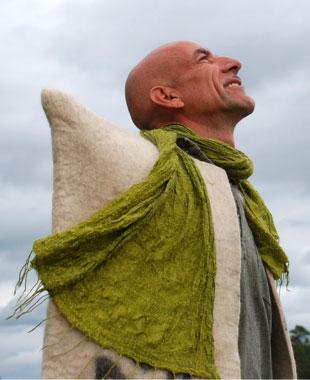 Pel Rostam, nomad, kursledare och föreläsare